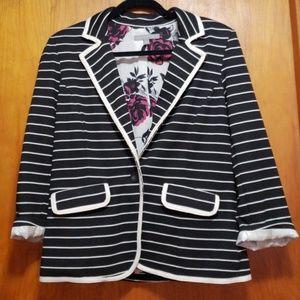 Black blazer with white stripe